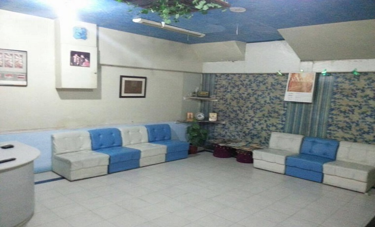 Al noor dento smile surgery waiting area
