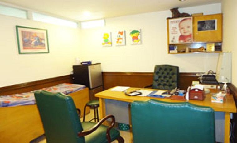 Lahore health care consultant room