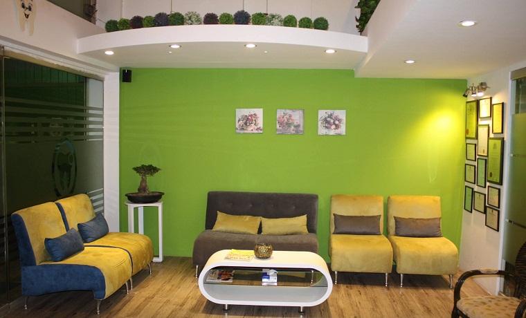 Munir dental aesthetics waiting area