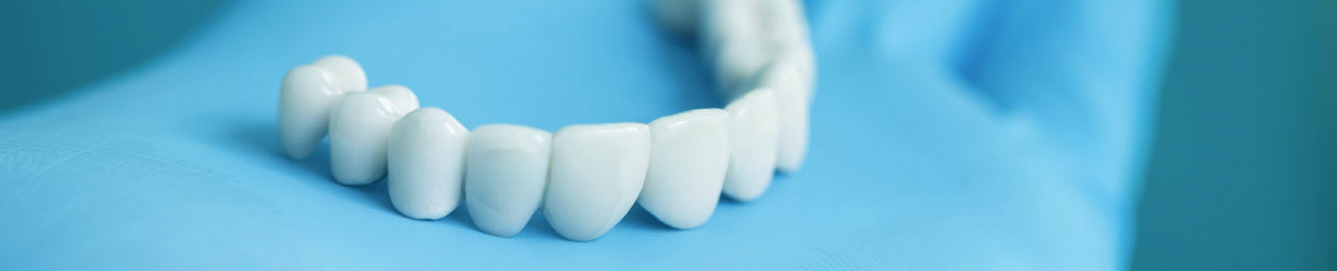 Dentist m
